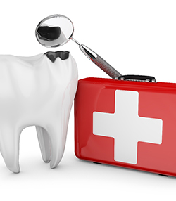 Woman with toothache in need of emergency dentist in Marshall