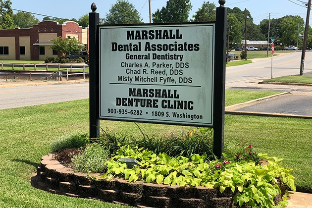 Marshall Denture Clinic sign